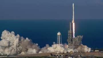 Спейс екс изстреля първия спътник с рециклирана ракета