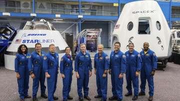 Първият полет на Спейс екс с астронавти ще е през юни 2019 г.