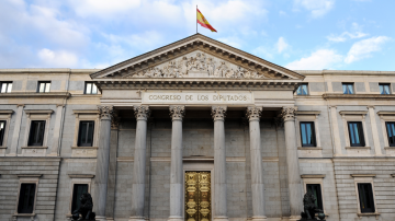 Новият испански премиер и правителството на Каталуния положиха клетва в един ден