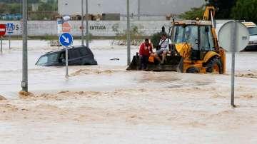Жертвите на наводненията в Испания вече са пет