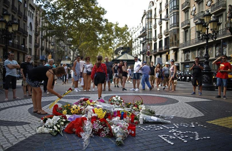 Испания отбелязва днес една година от атентатите в Барселона и