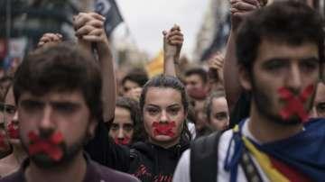 Испанският крал Фелипе призова за спазване на конституционния ред