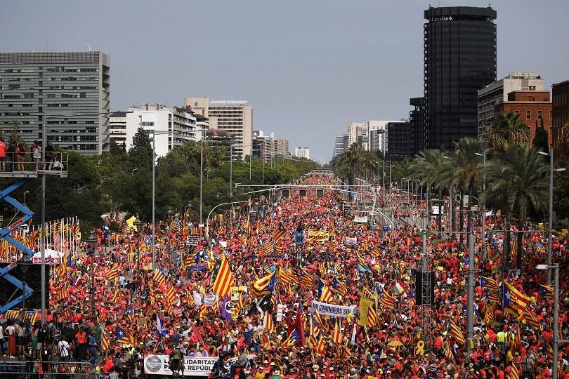 Вълненията в Каталуния не са стихнали - това показва масовото