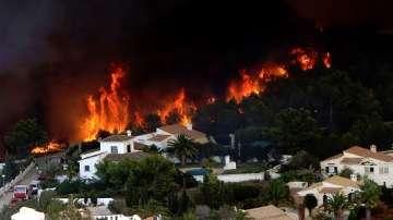 Огнената стихия по испанското крайбрежие