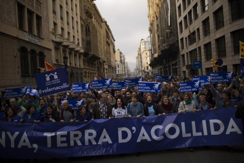 около 160 000 демонстранти барселона поискаха испания приеме повече бежанци