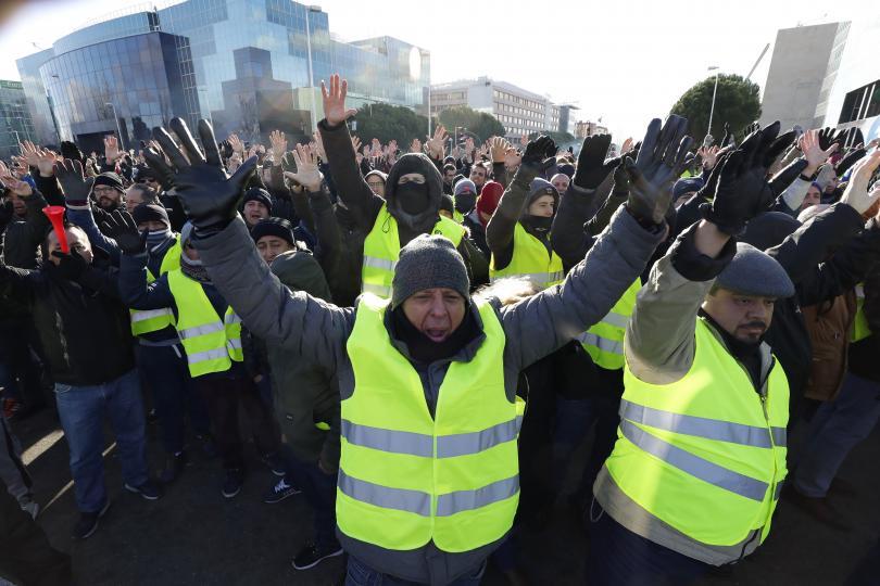 Транспортен хаос в Мадрид. Таксиметровите шофьори в испанската столица блокираха
