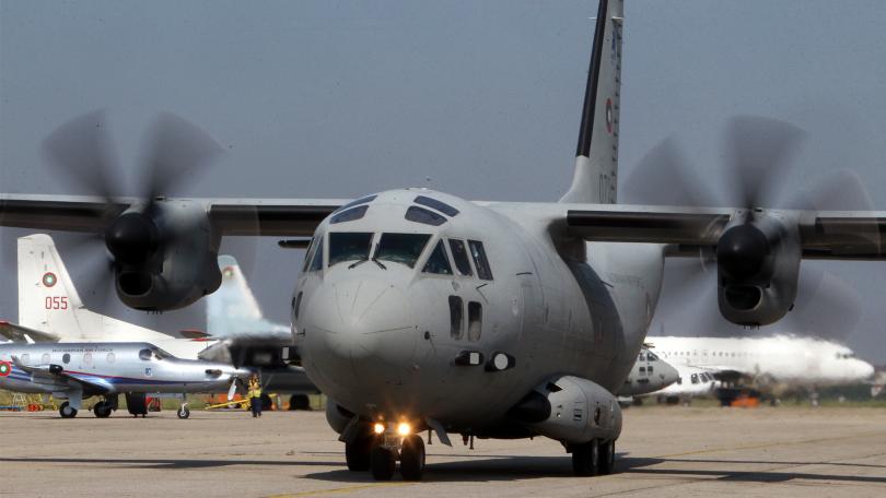 военният самолет спартан транспортира медицински екипи донорска ситуация