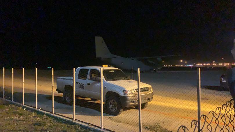 Малко след 21:30 ч. с военния самолет