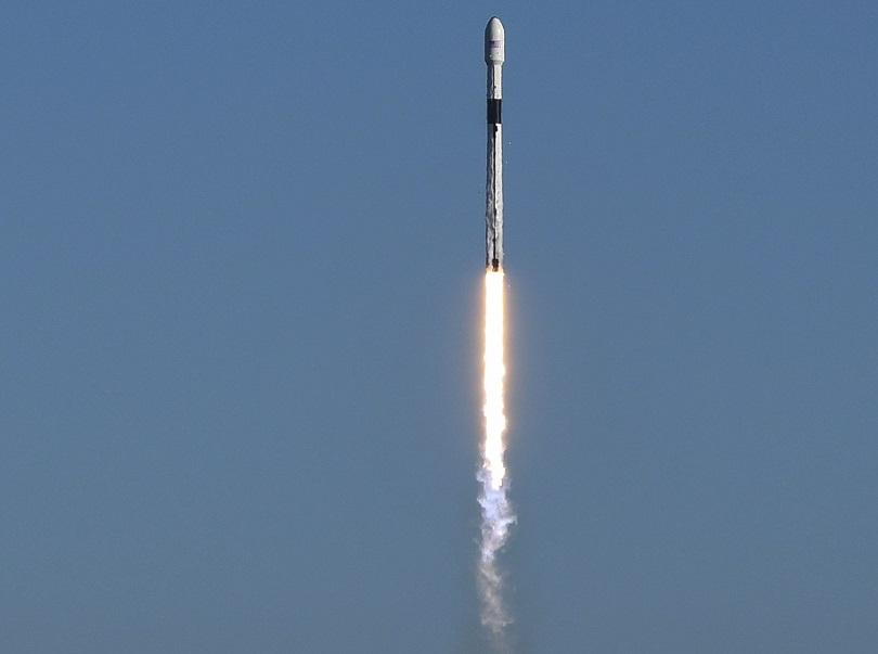 Снимка: Спейс Екс изстреля ракета носител с американски военен сателит
