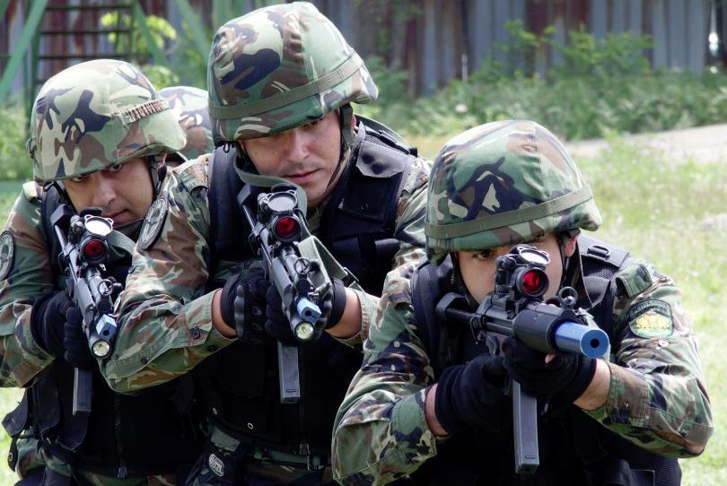 снимка 1 Военният министър Каракачанов посети 68-ма бригада Специални сили в Пловдив