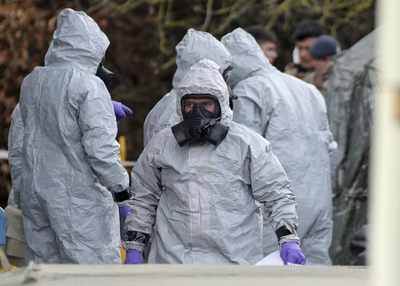 Откриха следи от веществото, убило бившия руски шпионин, в два бара в Солсбъри