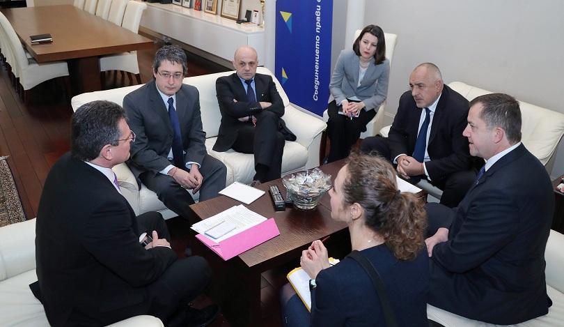 Брюксел подкрепя изграждането на газоразпределен център в България, заяви еврокомисарят