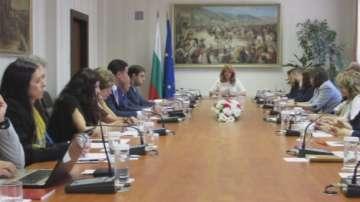 Вицепрезидентът с предложение в помощ на студенти от българската диаспора