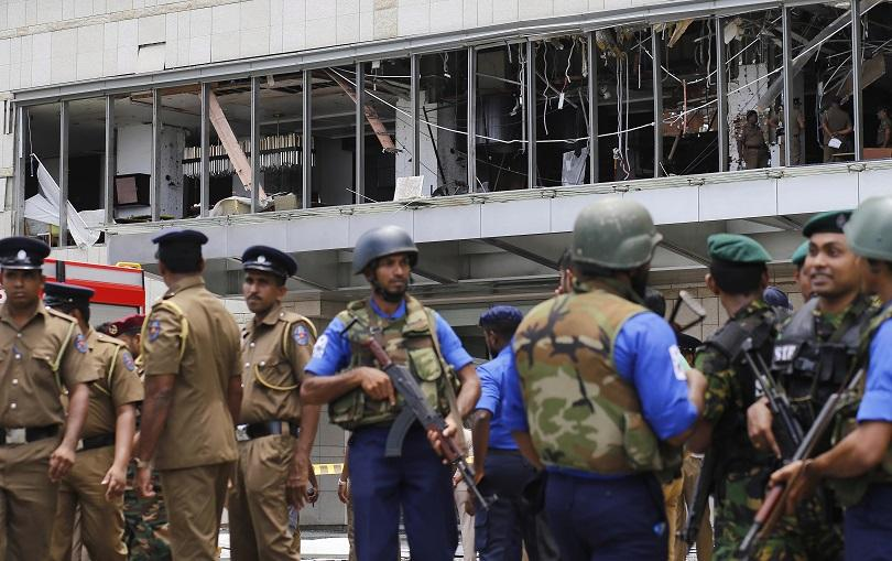 Броят на жертвите при осемте смъртоносни взрива в Шри Ланка