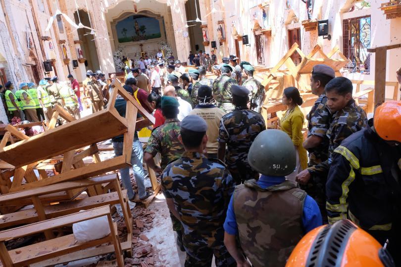 Снимка: След серията атентати в Шри Ланка: Над 200 убити и повече от 450 души са ранени
