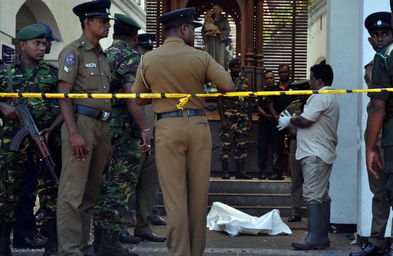 Полицията в Шри Ланка е задържала микробус в столичния квартал