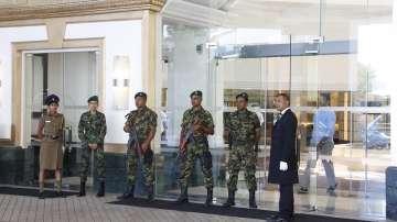 Шри Ланка въведе полицейски час и спря достъпа до социални мрежи