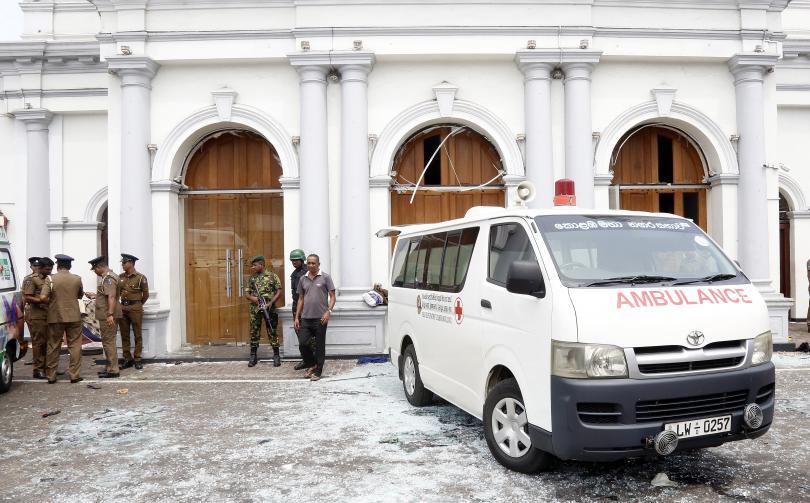 Снимка: Серия бомбени атаки почерниха католическия Великден в Шри Ланка