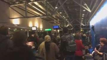 Стотици пътници са блокирани на летище Станстед край Лондон