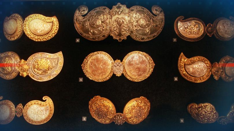 Символиката на женските накити е показана в най-новата експозиция на