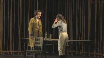Последният клас на Стефан Данаилов му посвети представлението Лодкарят