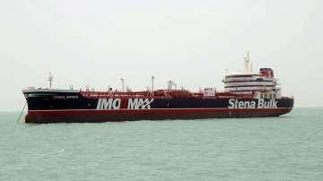 Иран ще освободи 7 членове на екипажа на задържания британски танкер