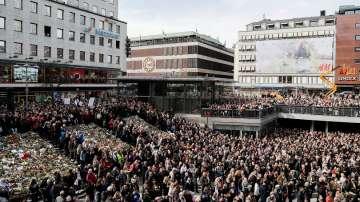 Десетки хиляди участваха в демонстрация на любовта в Стокхолм