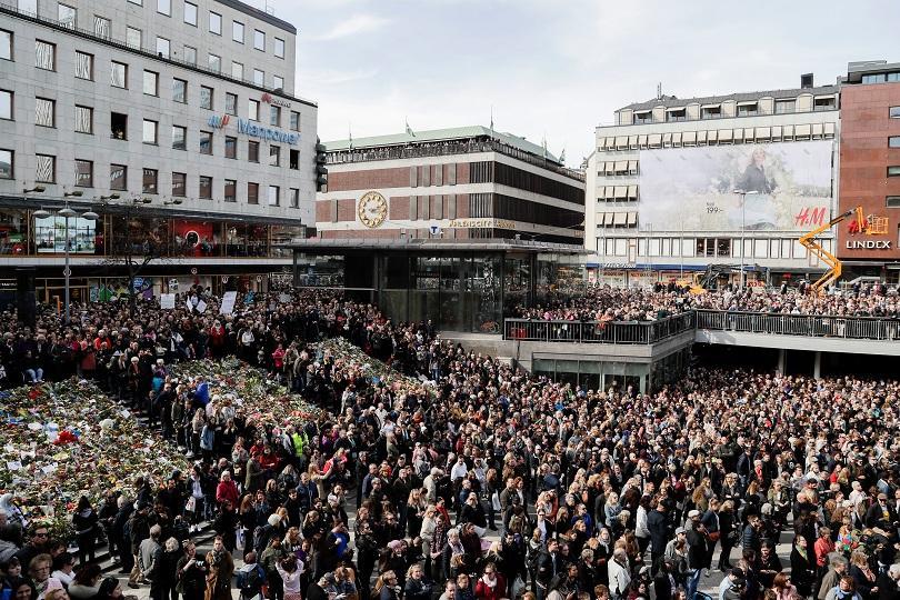 десетки хиляди участваха демонстрация любовта стокхолм