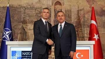 НАТО и Русия призовават Турция за сдържаност в Сирия