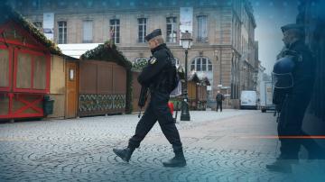 Разследването за стрелбата в Страсбург продължава след смъртта на нападателя