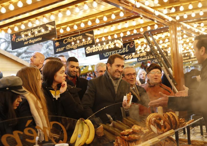 Коледният базар в Страсбург, където преди три дни радикализиран французин