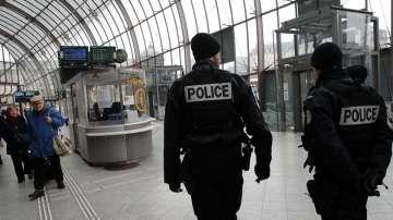 Германия и Франция издирват в тясно сътрудничество нападателя от Страсбург