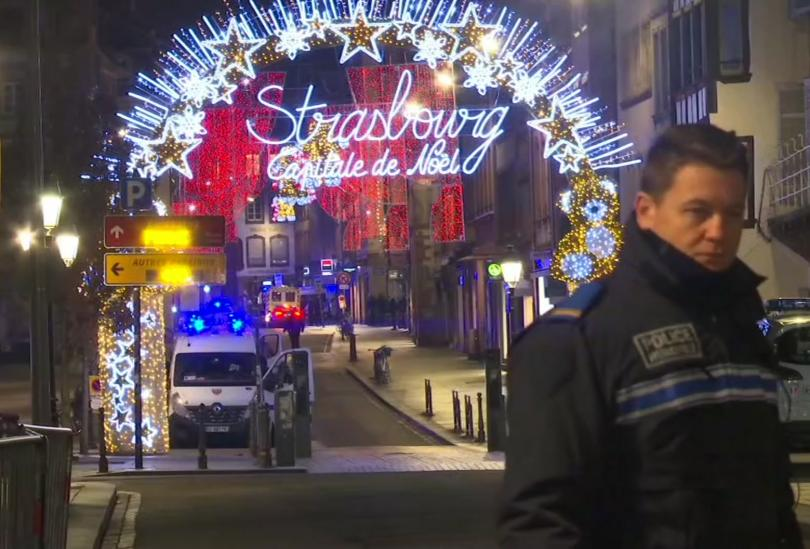 Традиционният коледен базар в Страсбург днес отново ще бъде отворен