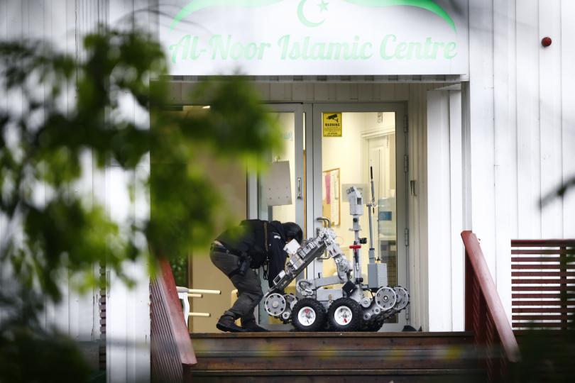 снимка 1 Стрелба в джамия в Норвегия, ранен е човек