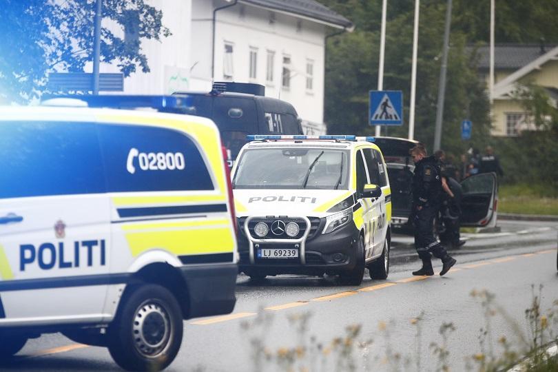 Стрелба в джамия в Норвегия, ранен е човек