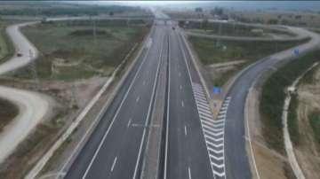 Част от магистрала Струма е затворена заради ТИР, разлял стотици каси с бира