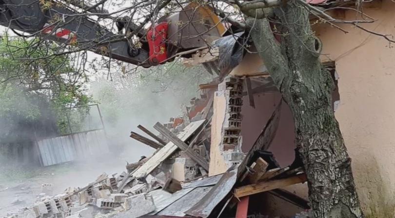 Снимка: Премахнаха над 50 незаконни постройки в Стара Загора
