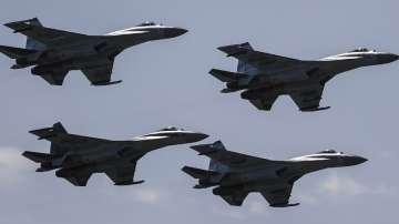 Руски Су-27 са прихванали американски бомбардировачи B-52