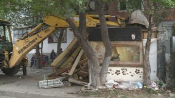 Премахват незаконни постройки в Столипиново