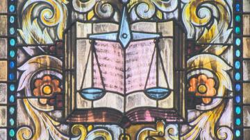 Конституционният съд образува дело по искането на Гешев