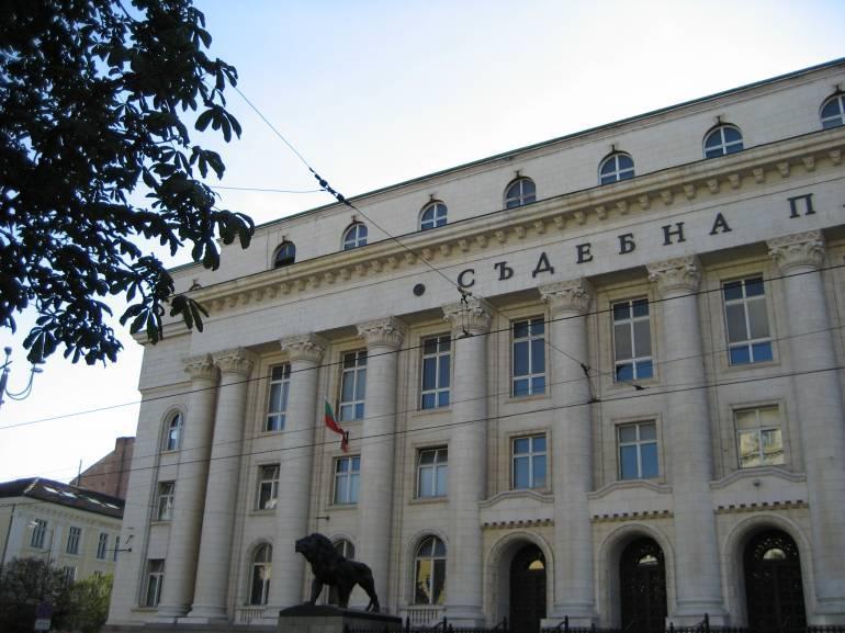 Прокуратурата се самосезира за твърденията за корупция на проф. Стив Ханке