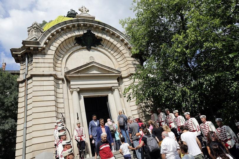 Кулминацията на тържествата е в Пловдив, но днес празнува цяла