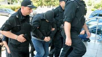 Обвиненият за убийството в Слънчев бряг влезе в Бургаския съд с бронежилетка