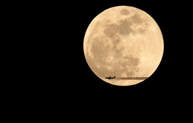 снимка 1 Феноменът Супер синя кървава Луна (СНИМКИ / ВИДЕО)