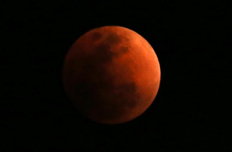 снимка 4 Феноменът Супер синя кървава Луна (СНИМКИ / ВИДЕО)