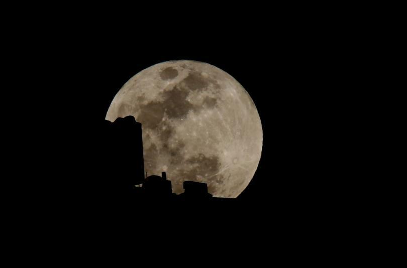 снимка 5 Феноменът Супер синя кървава Луна (СНИМКИ / ВИДЕО)