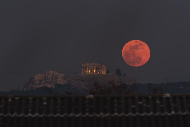 снимка 6 Феноменът Супер синя кървава Луна (СНИМКИ / ВИДЕО)