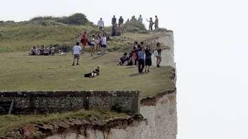 Мистериозна мъгла в Англия евакуира плаж