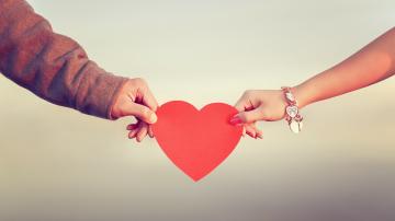 Кои са най-желаните подаръци за празника на влюбените?