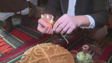 Долно село пази древна традиция за изработване на свещ за Бъдни вечер